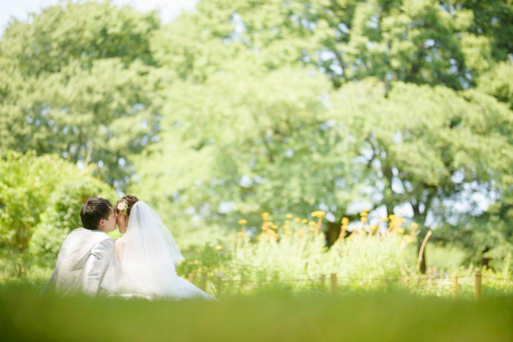 \フォト婚コラム/失敗しないために!フォトウエディングや前撮りで使えるポーズ集のメイン画像