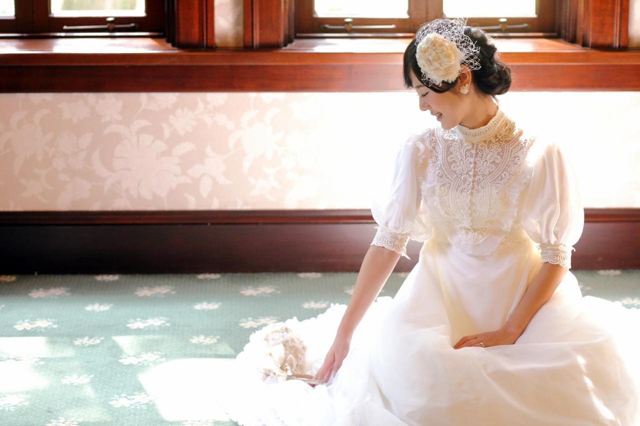 前田侯爵邸でフォトウエディング。アンティークな絨毯がかわいい。