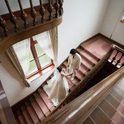 旧古河邸でウエディングドレス&萌黄色のカラードレスの画像3